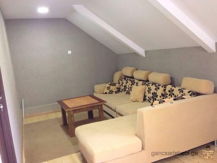 Сдается частный дом мансарда в Боржоми. Две комнаты, хол ,ванная .